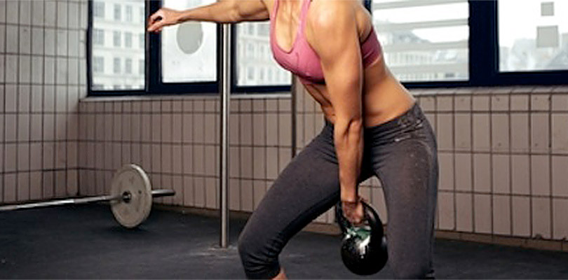 Kettlebell-woman-swing