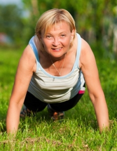 mature-woman-pushup